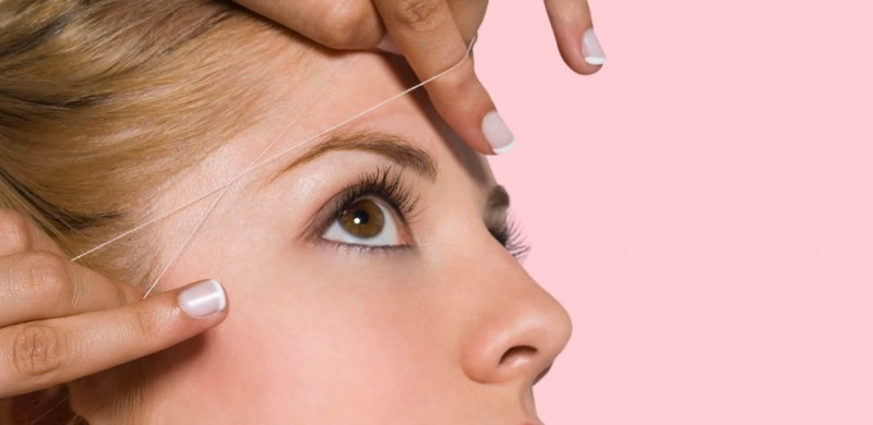 depilación de cejas con hilos tensores